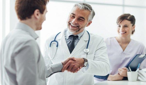 Cómo puede un paciente solicitar un informe médico