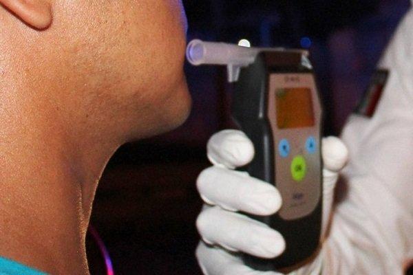 Como se hace un control de alcoholemia o drogas