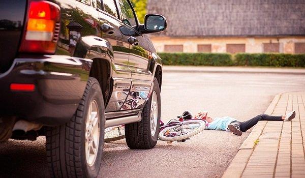Existen excepciones en cuanto a la culpa concurrente y absoluta en accidentes de tráfico