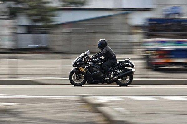 Qué factores se deben tomar en cuenta sobre los accidentes de moto