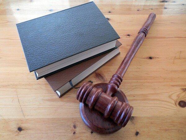 Bases-legales-para-el-reclamo-de-indemnizacion-por-accidente-de-trafico-por-vias-en-mal-estado