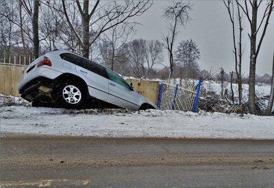 Indemnizacion por accidente de trafico por via en mal estado