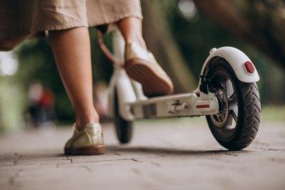 Accidente de trafico en patinete electrico