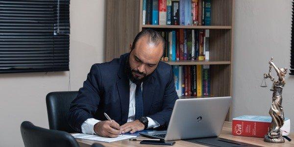 Por que es importante la especializacion de un abogado y su tasa de exitos